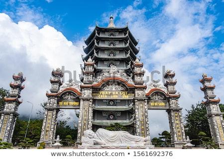 Buddhista templom hegyek természet tájkép hegy Stock fotó © andromeda