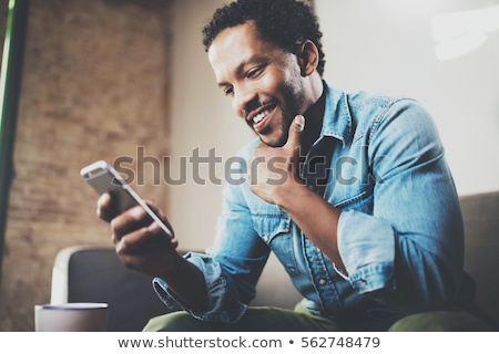 Foto stock: Masculino · executivo · telefone · móvel · sorridente · empresário
