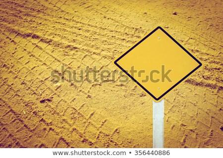 Pyłu ostrzeżenie znak drogowy wygaśnięcia niebo tle Zdjęcia stock © tashatuvango