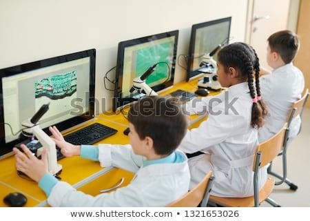 Estudiar ordenador nina educación Foto stock © monkey_business