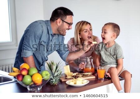 mutlu · anne · bebek · kahvaltı · ev · aile - stok fotoğraf © dashapetrenko