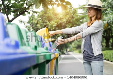 Plastic onzin rij schone prullenbak Geel Stockfoto © luapvision