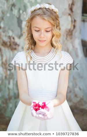 jeune · fille · première · communion · couronne · célébrer · première - photo stock © BigKnell