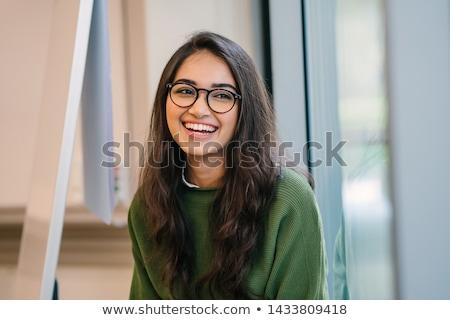 arc · fedett · hosszú · egyenes · haj · mosolyog · csinos · nő - stock fotó © ziprashantzi