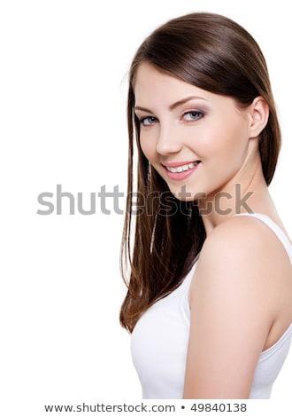 Retrato bela mulher 20s longo cabelo castanho risonho Foto stock © deandrobot