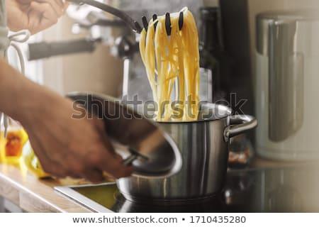 olasz · tészta · serpenyő · pesztó · mártás · tükörtojás - stock fotó © pressmaster