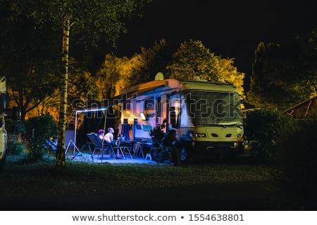Campamento noche ilustración agua fuego paisaje Foto stock © colematt