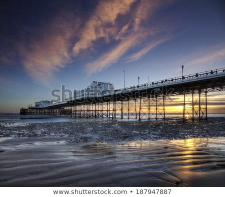 Molo niski fala szeroki shot plaży Zdjęcia stock © jsnover
