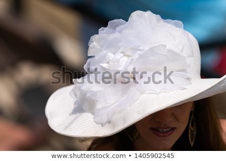 Mooie vrouw hoed paard foto concentreren Stockfoto © deandrobot