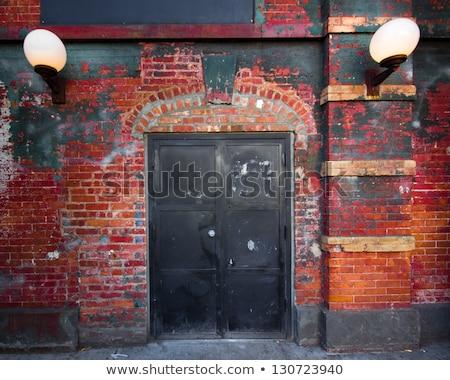 古い · レンガの壁 · ドア · 壁 · 日没 - ストックフォト © stevanovicigor
