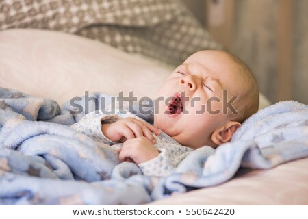baby · madre · ragazzo · pisolino - foto d'archivio © is2