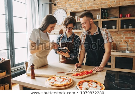 feliz · amigos · cozinhar · cozinha · classe - foto stock © dolgachov