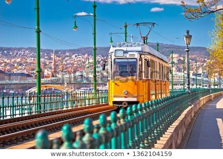 groene · voorstad · trein · Boedapest · straat · brug - stockfoto © xbrchx