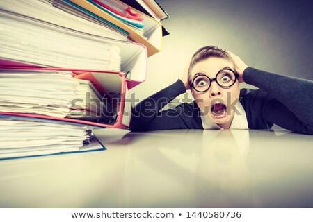 jonge · overwerkt · secretaris · computer · kantoor · meisje - stockfoto © konradbak