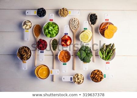 カップ · 健康 · 材料 · 木製のテーブル · イチゴ - ストックフォト © wavebreak_media