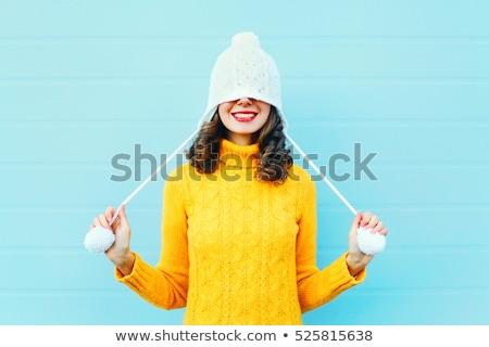 肖像 快樂 微笑 女孩 毛線衣 常設 商業照片 © deandrobot