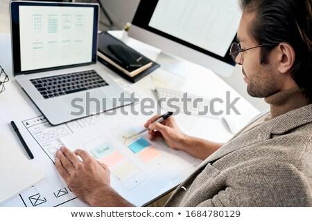 architect · telefoon · laptop · werken · praten · vrouwelijke - stockfoto © pressmaster