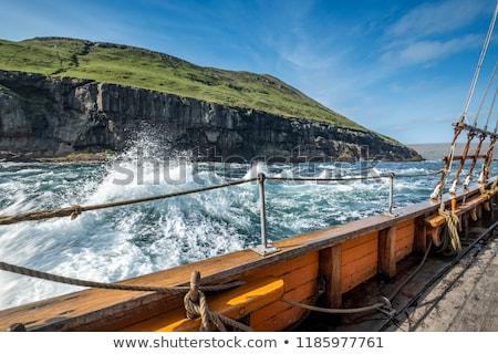 Pasado de moda buque mar cielo retro historia Foto stock © elly_l