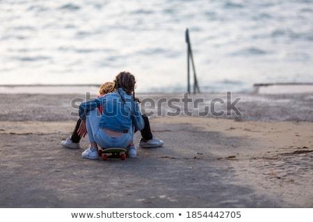 Adolescentes mar nina hombre feliz amigos Foto stock © photography33