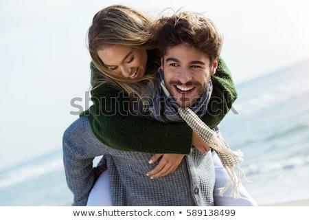 lányok · ül · tengerpart · kettő · legjobb · barátok · tengerpart - stock fotó © fotoyou