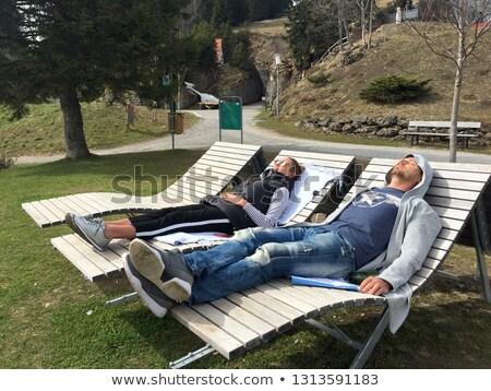 пару спальный парка палуба мира улыбаясь Сток-фото © IS2