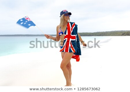 patriótico · menina · praia · feminino · australiano - foto stock © lovleah