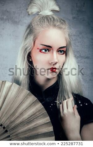 Belo loiro menina gueixa compensar ao ar livre Foto stock © dashapetrenko