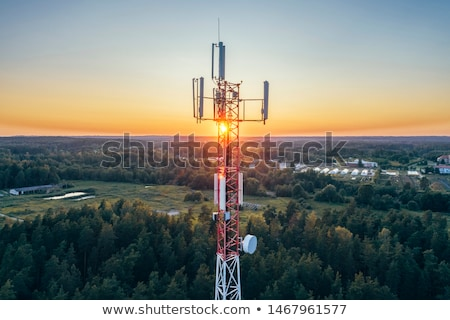 Fernmeldewesen Handy Turm Berg Stelle Hintergrund Stock foto © olira