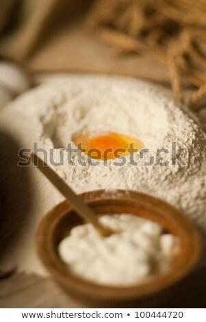 Vardiya yumurta buğday un yumurta Stok fotoğraf © gorgev