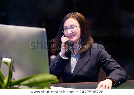 resepsiyonist · telefon · kız · göz · telefon · sağlık - stok fotoğraf © photography33
