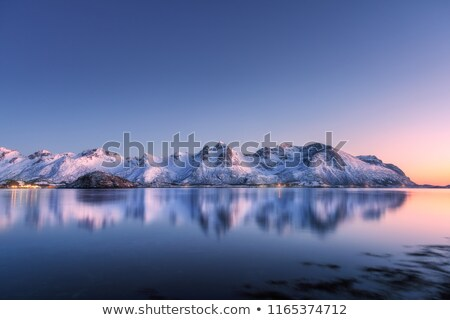 Zdjęcia stock: Sceniczny · jezioro · Norwegia · śniegu · pokryty · góry