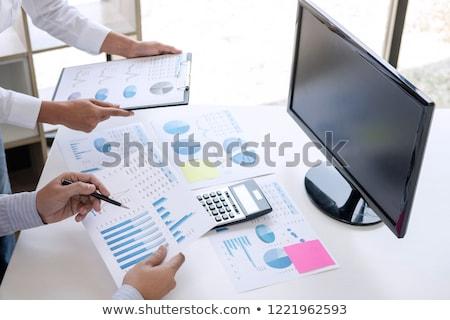 бизнеса бухгалтер банкир Бизнес-партнер вычислять анализ Сток-фото © Freedomz