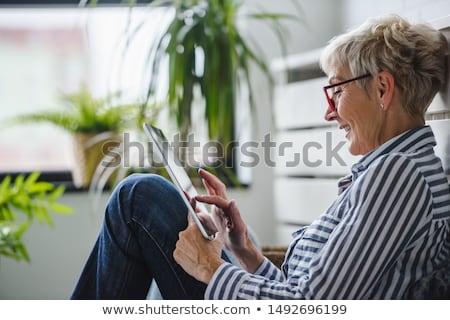 casal · sessão · sofá · computador · telefone · casa - foto stock © photography33