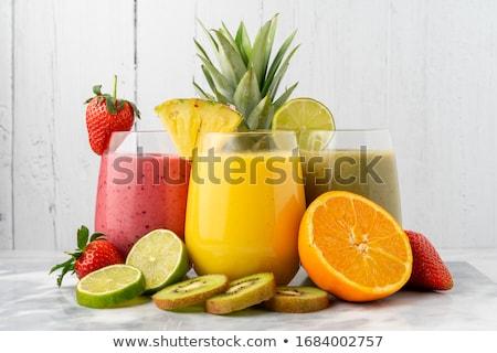 Jugo de fruta frutas fresa desayuno blanco kiwi Foto stock © M-studio