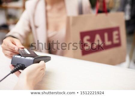 Venta boutique hermosa comprador bolsa feliz Foto stock © ssuaphoto