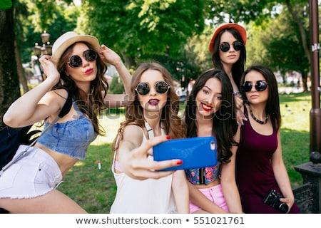 öt · gyönyörű · fiatal · lányok · pózol · park - stock fotó © tekso