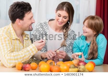 gyümölcsök · kés · asztal · étel · alma · gyümölcs - stock fotó © kzenon