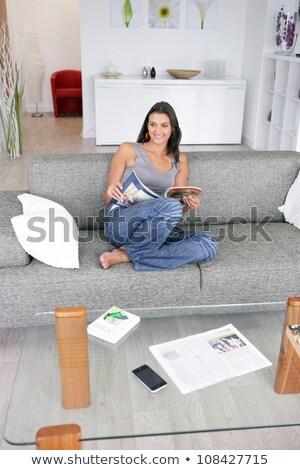 женщины · студент · изучения · диване · домой · книжный · червь - Сток-фото © photography33