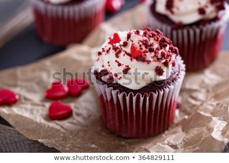 Jeden czekolady czerwony wisienką czarny Zdjęcia stock © tish1