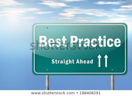mejor · práctica · senalización · de · la · carretera · verde · muestra · de · la · carretera · nube - foto stock © tashatuvango