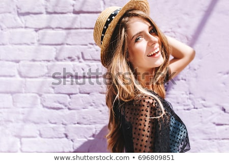 szczęśliwy · dziewczyna · patrząc · odizolowany - zdjęcia stock © stryjek