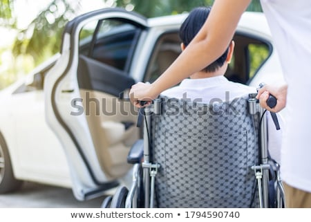desvantagem · veículo · água · mão · homem · criança - foto stock © fisher