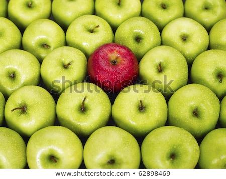 Foto stock: Manzana · roja · pie · fuera · verde · manzanas