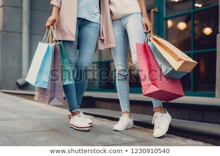 Mode · Frau · Einkaufstaschen · Stadt · eleganten · Stadt - stock foto © smeagorl