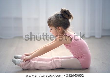 バレリーナ · 座って · 階 · 少女 · 子 - ストックフォト © lunamarina