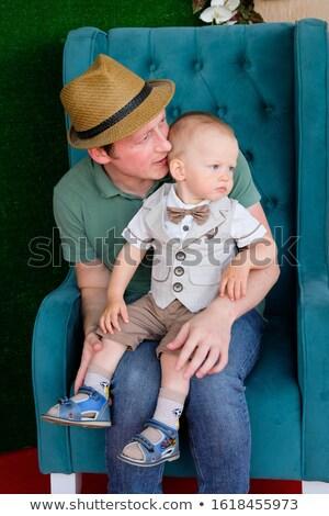 grande · gritar · homem · gritando · namorada · branco - foto stock © feedough
