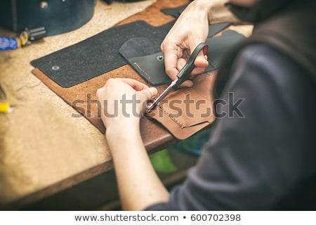 女性 製造 赤 木製のテーブル 財布 ハンマー ストックフォト © Traimak