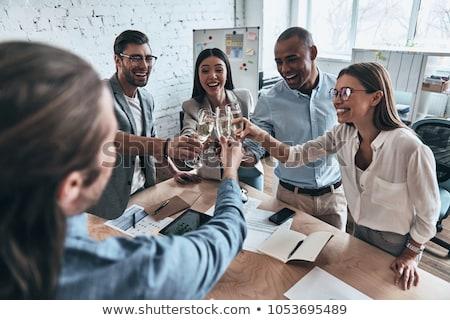 Feliz equipo bebidas oficina fiesta Foto stock © dolgachov