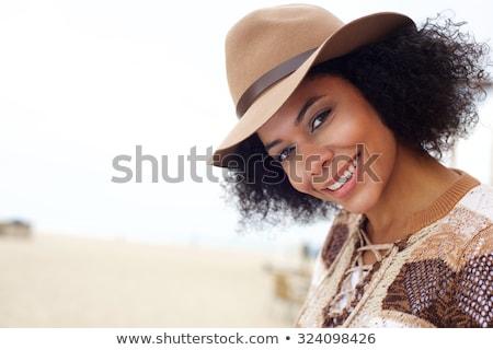 Piękna kobieta hat relaks Zdjęcia stock © wavebreak_media