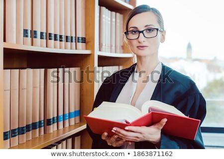 Advocaat werken moeilijk geval lezing bibliotheek Stockfoto © Kzenon